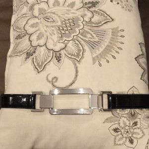 White House/Black Market Belt. Size Small